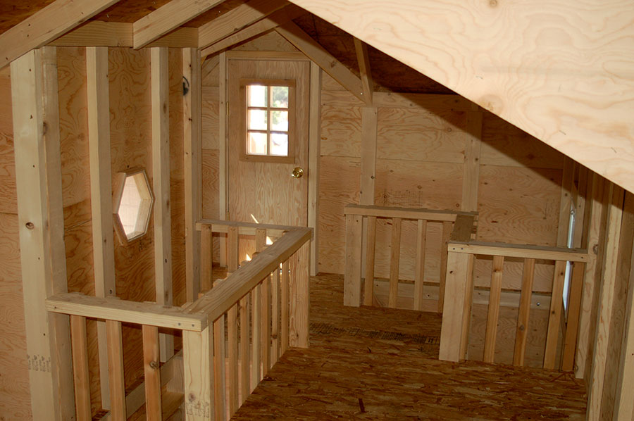 Image of kids outdoor playhouse interior